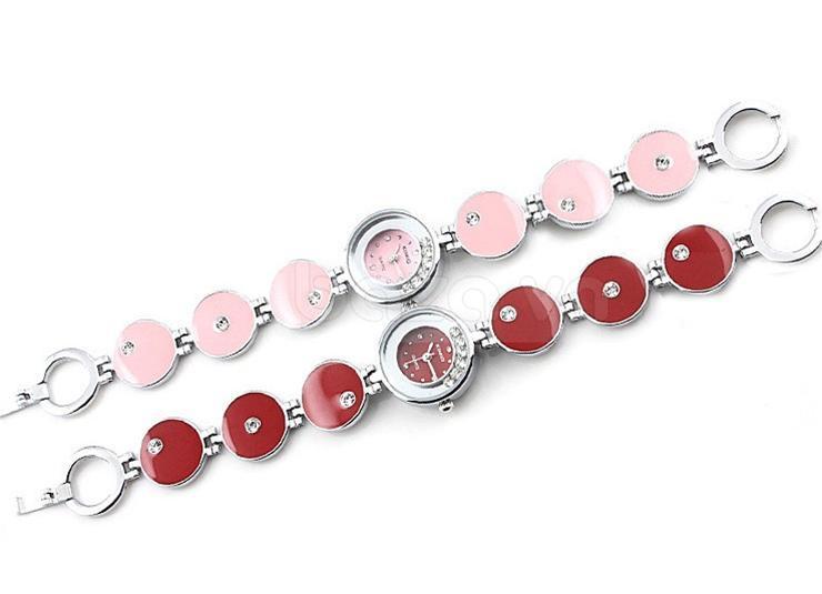 Đồng hồ lắc tay Kimio  màu sắc đẹp mắt, cuốn hút