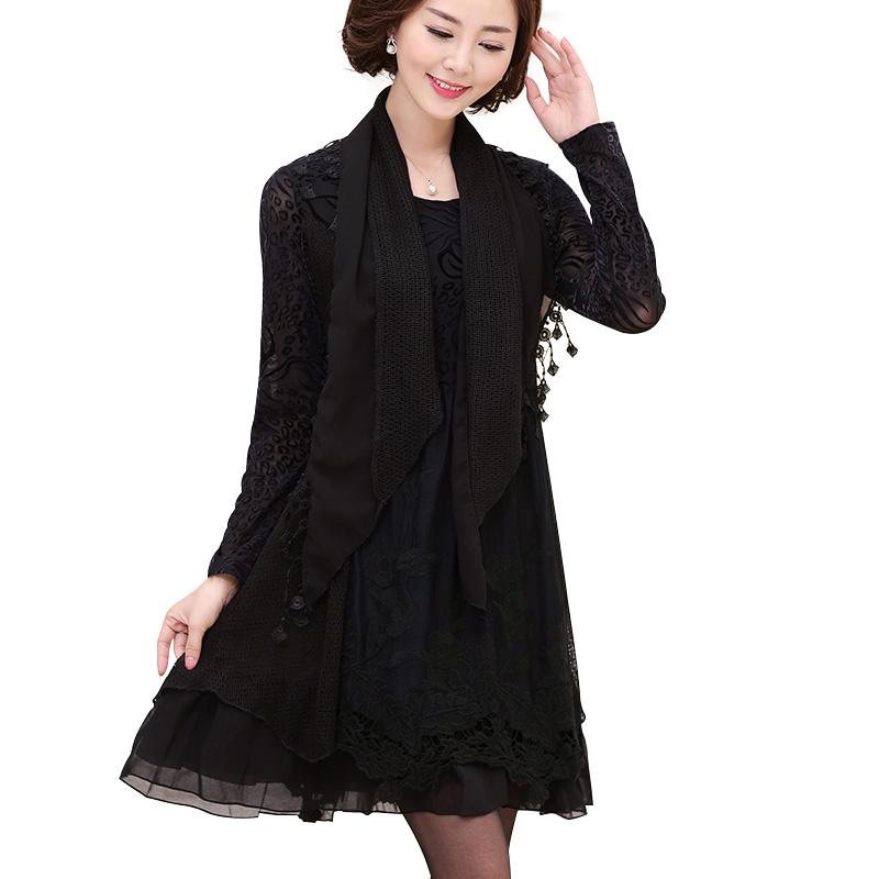 Váy ren hoa xếp ly dài tay kèm khăn quàng SMT