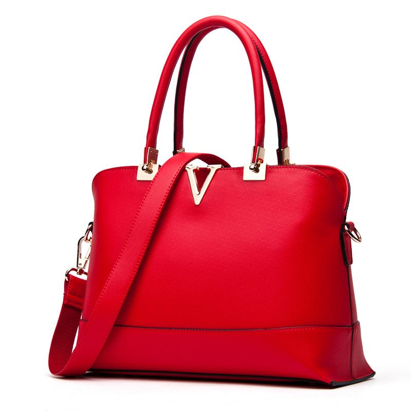 Túi xách nữ DooDoo mặt khóa chữ V