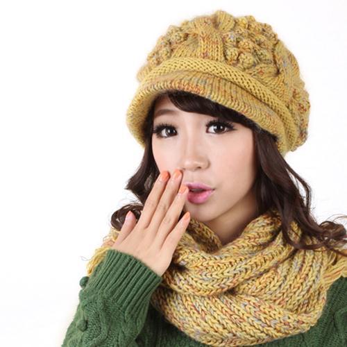 Combo mũ và khăn len lông cừu dành cho nữ