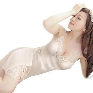 Váy ngủ nữ xẻ vạt Hamuse quyến rũ và sang trọng