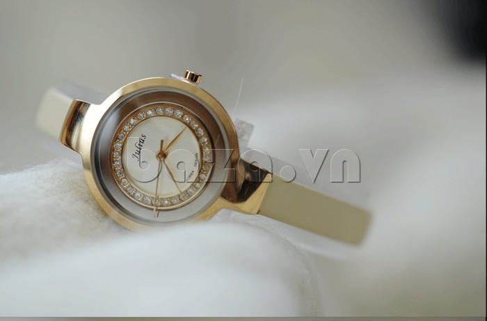 Đồng hồ nữ Julius JA-680 có hạt pha lê sang trọng sẽ giúp bạn luôn nổi bật