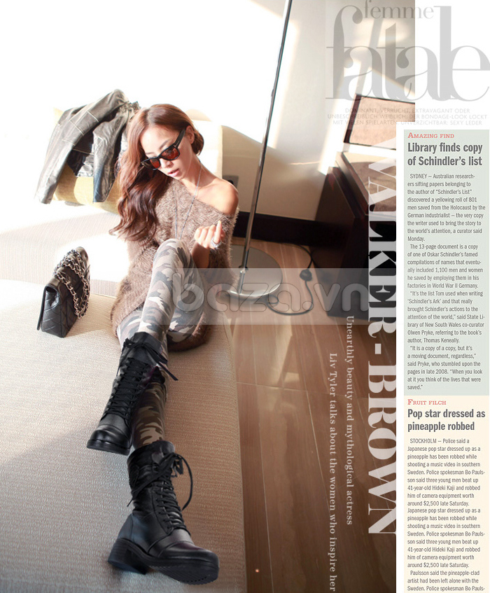 Giày bốt nữ Yiya mang âm hưởng chiến binh, kết hợp cực ăn ý với quần rằn ri, áo free style