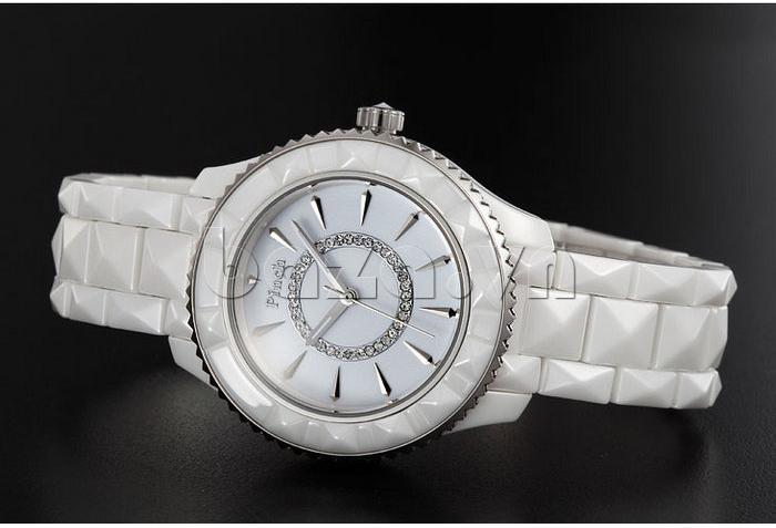 """Ấn tượng và đẳng cấp hơn với """" Đồng hồ nữ """" Đồng hồ nữ thời trang Pinch 6001 """""""