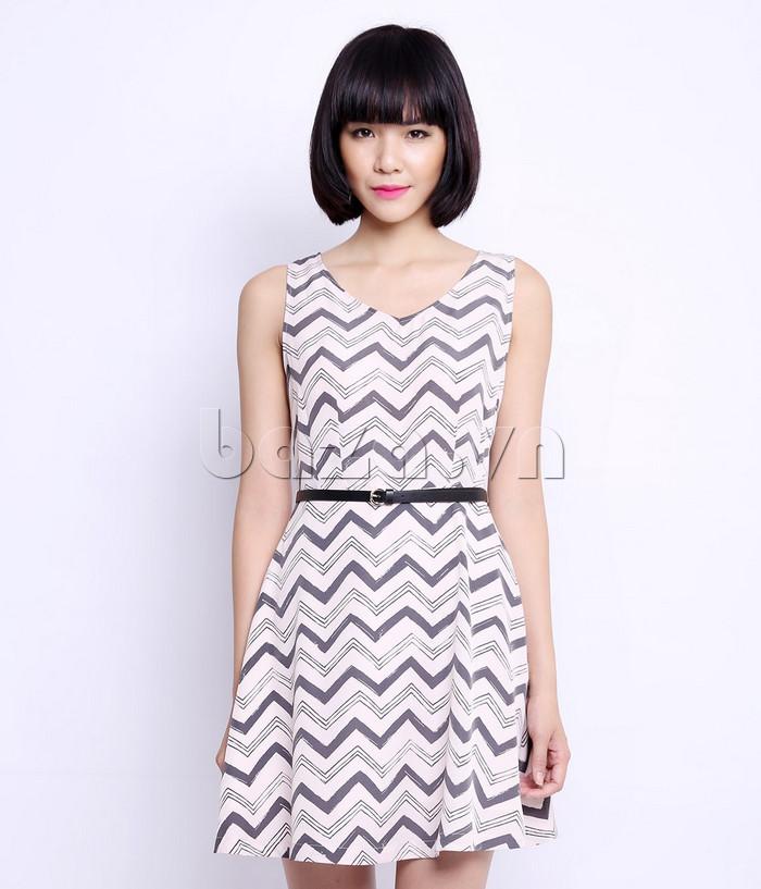 Váy liền nữ cổ chữ V Canifa 6DS15S025