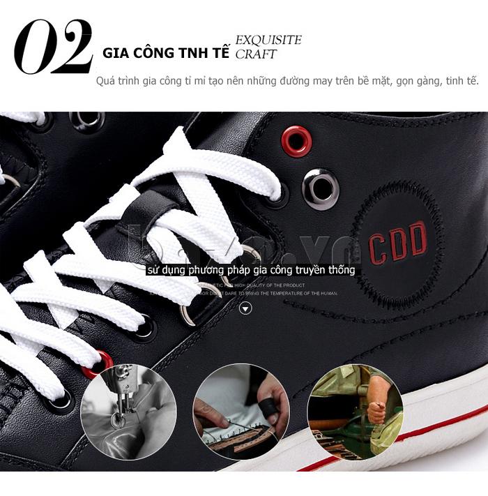DÔi giày nam trải qua quá trình gia công tinh tế và tỉ mỉ với những đường may gọn gàng