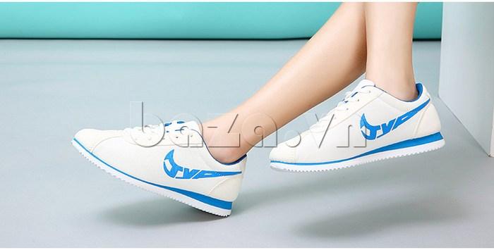 Giày nữ độn đế dáng thể thao Wadnaso vẻ đẹp mới