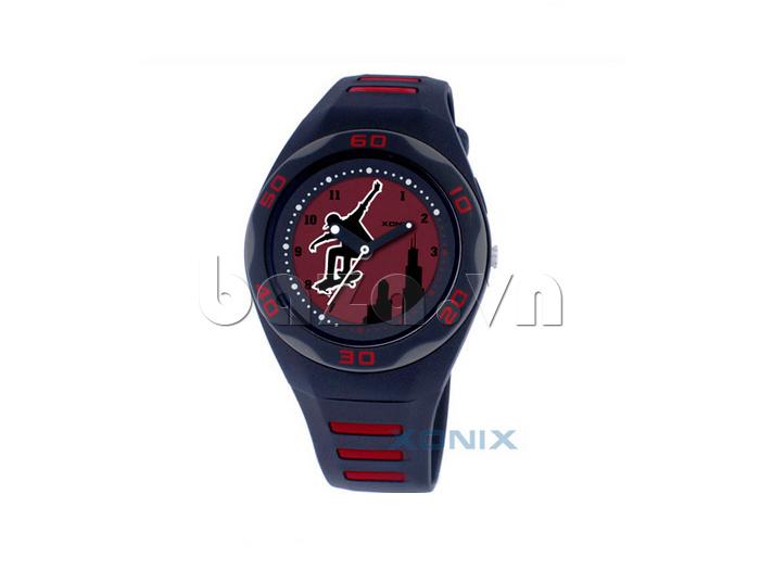 Đồng hồ thể thao Xonix RB ghi điểm với phái nữ