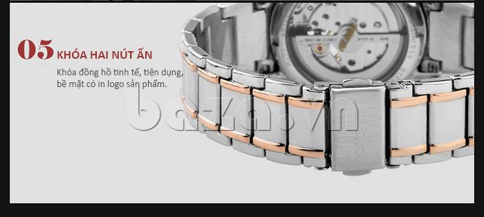 Khóa đồng hồ hai nút ấn tiện dụng, bề mặt khóa được in logo sản phẩm