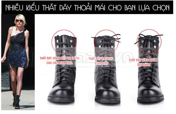 Điểm đặc biệt của đôi giày bốt nữ Yiya là thiết kế dây buộc, bạn có thể thắt theo nhiều kiểu khác nhau
