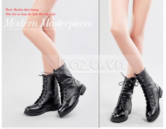 Thiết kế của đôi giày bốt giúp kéo dài đôi chân, cho các nàng dáng chuẩn không cần chỉnh