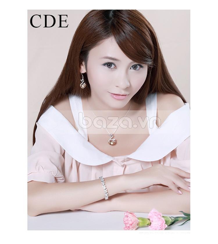 Baza.vn: Hoa Tai Thiên Nga Nữ Hoàng tinh tế vẻ đẹp cuốn hút từng đường nét