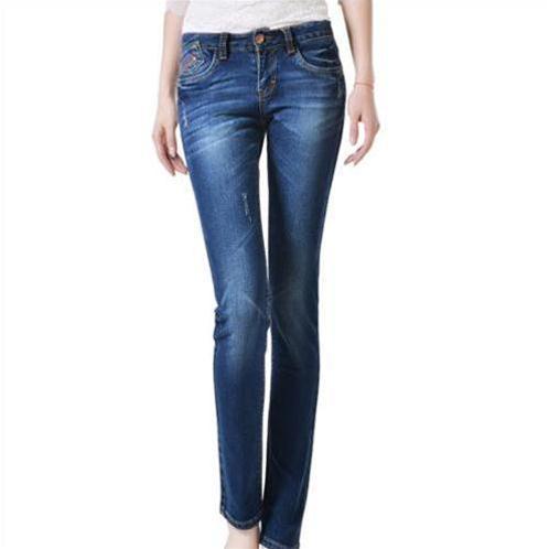 Quần jeans nữ mài xước ống côn Bulkish