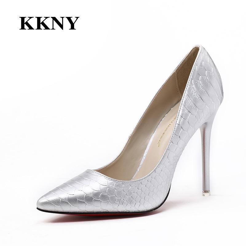 Giày nữ gót nhọn Kakaniya hoa văn vảy cá