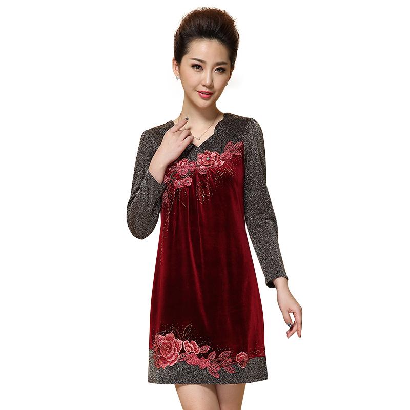 Đầm nhung dài tay phối vải ánh kim thêu hoa QIZ