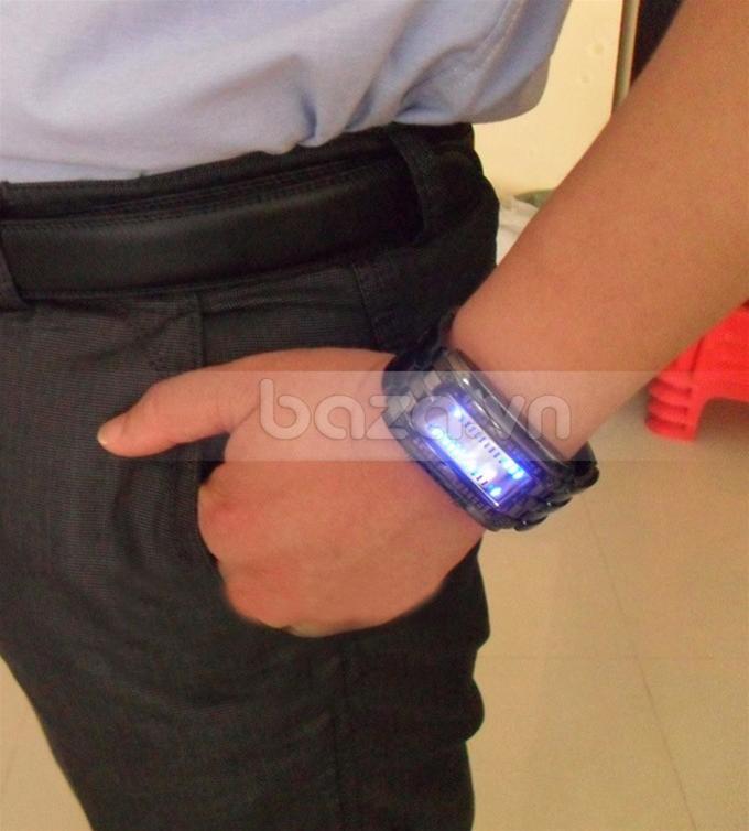 Baza.vn: Đồng hồ nam America LED